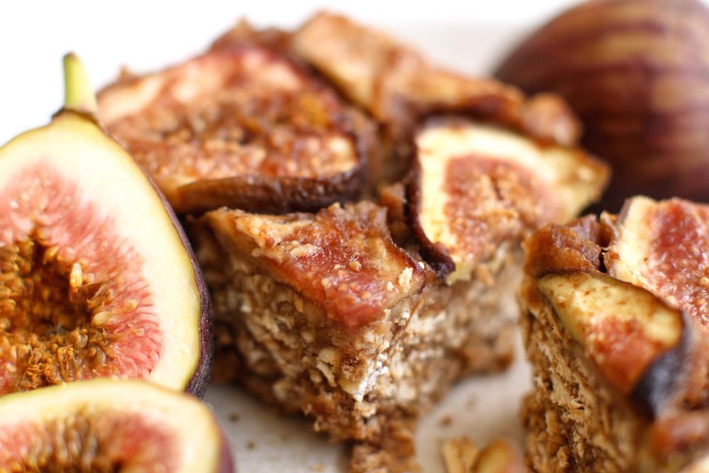 Vanilla Pretzel Fig Bars - FeastingonFruit.com