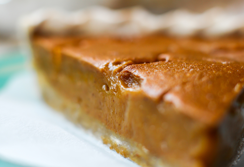 Fruit-Sweetened Pumpkin Pie - FeastingonFruit.com