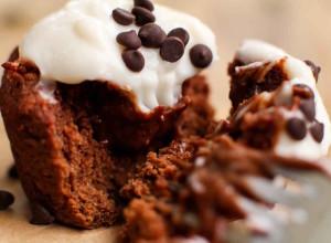 Healthy Vegan Red Velvet Cupcakes - FeastingonFruit.com