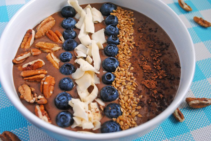 Chocolate_Banana_Avocado_Smoothie_Bowl_9_edit