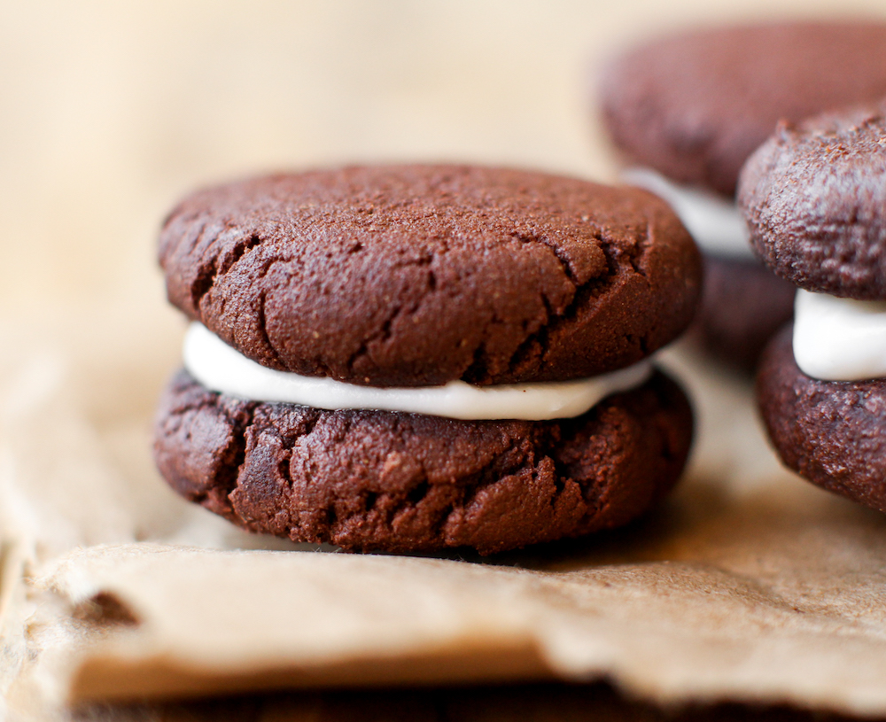 Easy Vegan Oreos (gluten and oil free) - FeastingonFruit.com