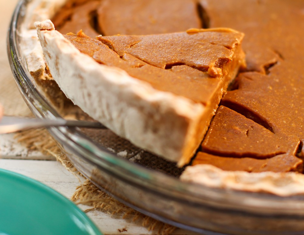 Fruit-Sweetened Pumpkin Pie - Feasting on Fruit