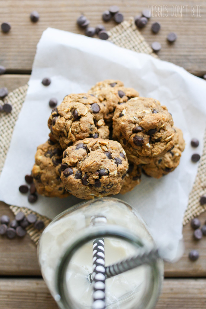 oatmeal-chocolate-chip-cookie-balls-62