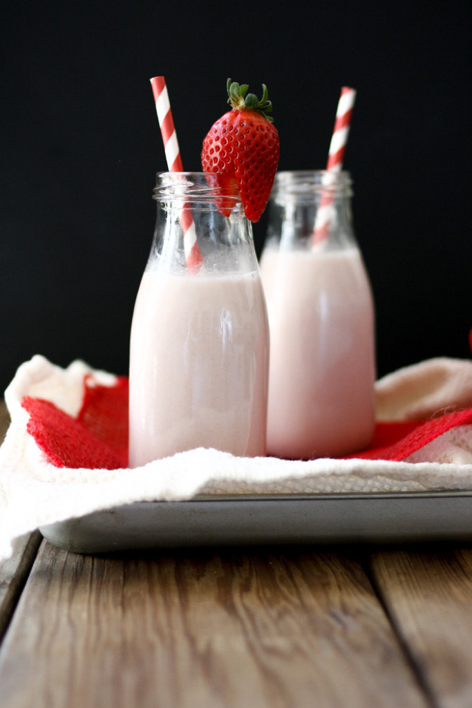 vegan-homemade-strawberry-milk-syrup-no-refined-sugar-16