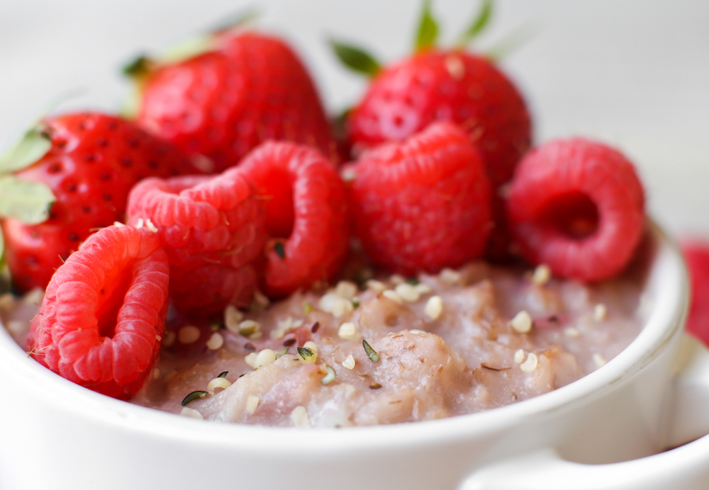 Cauli-Berry Oats from Hide & Seek Vegetables by Vie de la Vegan