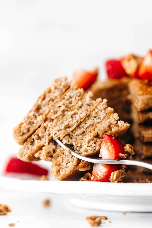 The BEST Fluffy Vegan Pancakes (gluten-free!)