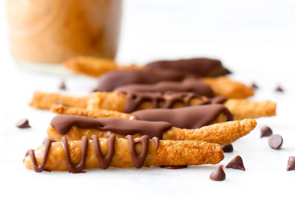 Chocolate Drizzled Salted Caramel Pretzels {vegan}