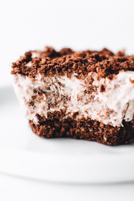 No-Bake Cookies and Cream Cheesecakes (Vegan + Gluten-Free)