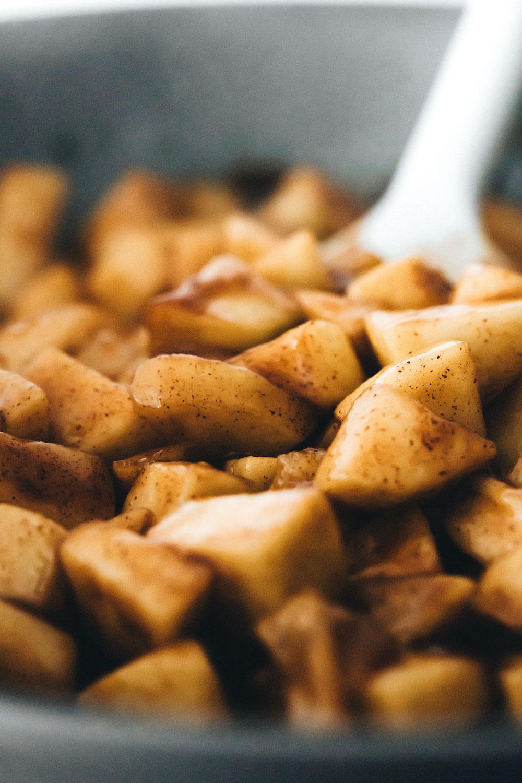 Apple Crisp Bars (vegan + gluten-free)