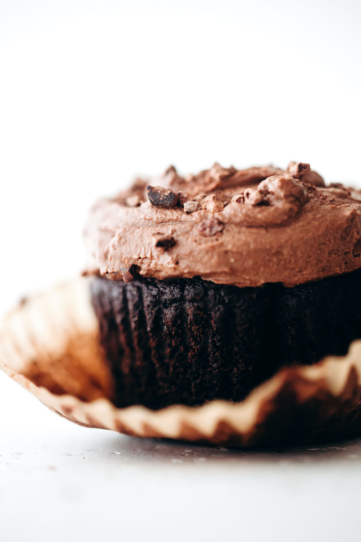 Easy Vegan Paleo Chocolate Cupcakes